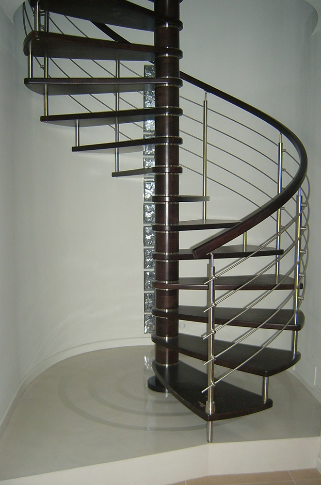 Luna inox: spiral staircase with circular plan in wood